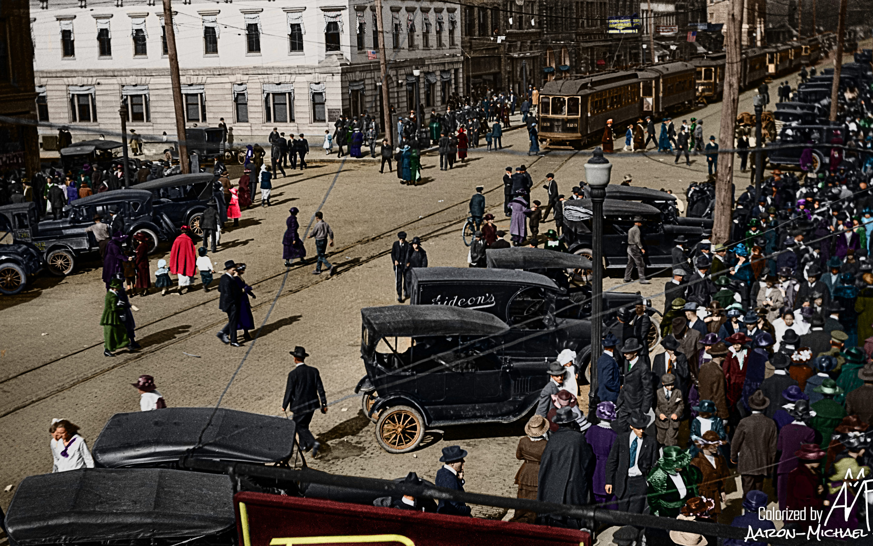 12 Colorized Photos That Will Change How You See Huntington's Past